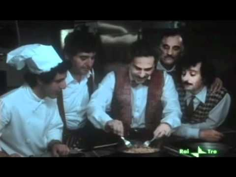 Spaghetti House, di Giulio Paradisi, 1982. Nino Manfredi, Leo Gullotta, Gino Pernice, Renato Scarpa.