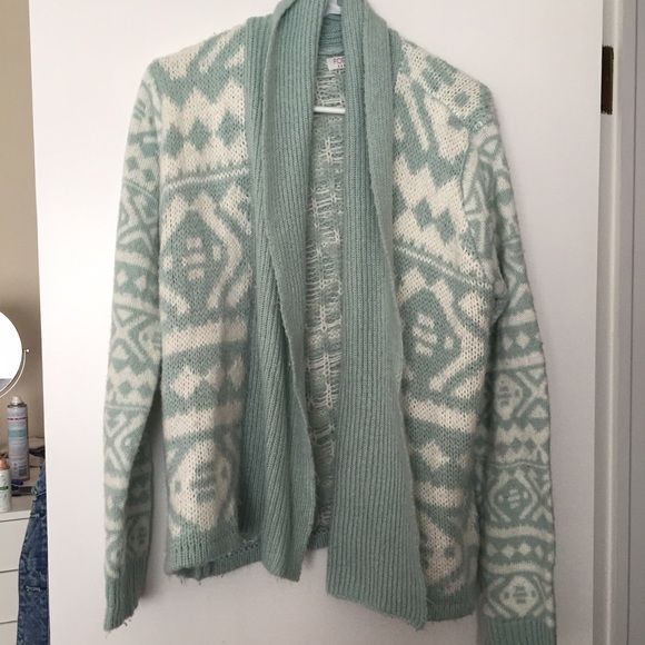 Forever 21 Tribal Print Cardigan Blue and white tribal printed cardigan from forever 21! Forever 21 Sweaters Cardigans