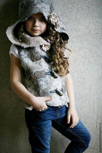Жилеты ручной работы. Ярмарка Мастеров - ручная работа Валяный жилет для девочки «Маленькая разбойница». Handmade.