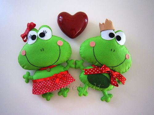 cute felt frogs/for Annete