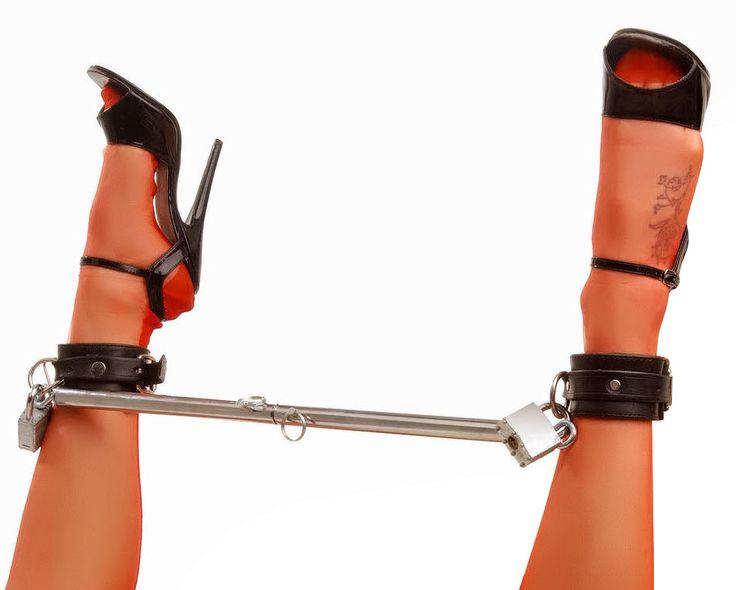 Bondage bondage cuffs dani in leg model model spreader spreizstange