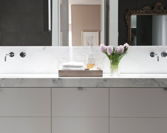 :: BATHROOMS :: :: INTERIORS :: adore the work of Melbourne based architect Allan Powell. Adore this lovely residential interior #bathrooms #interiors