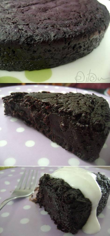 Olha, se eu já comi algum bolo de chocolate melhor do que este, sinceramente, não me lembro. E quando eu digo este, sem modéstia (ora, bolotas) é este aqui mesmo: a versão da torta búlgara que eu p…