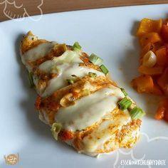 Low Carb Rezept für ein Fächer-Pesto-Hühnchen mit Ofengemüse. Wenig Kohlenhydrate und einfach zum Nachkochen. Super für Diät/zum Abnehmen. Jetzt ansehen! (Diet Recipes)