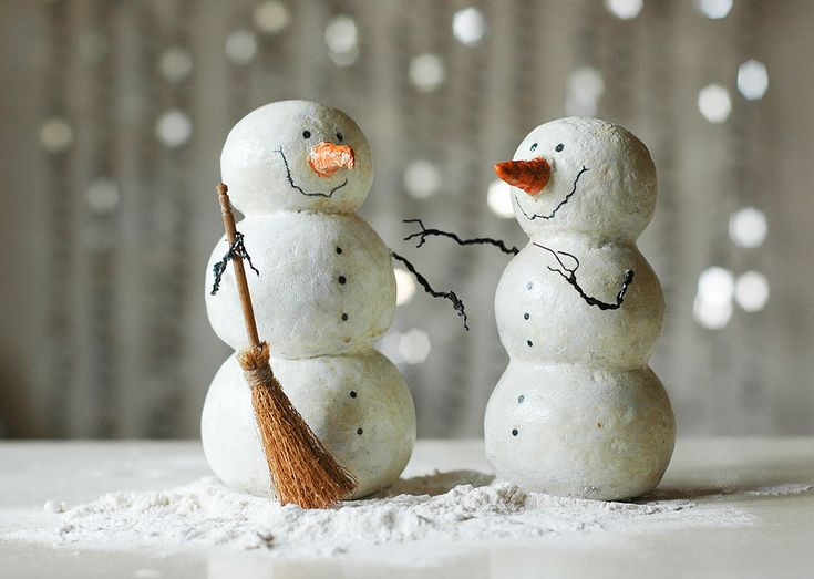 Papier-mache snowman family :) | Flickr - Photo Sharing!