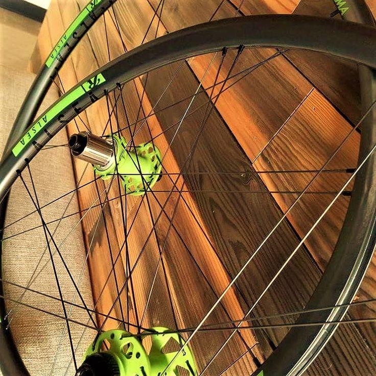 bici Cannondale? le ruote giuste sono ROLF PRIMA ALSEA carbon 29! super performanti, adatte a Lefty ed FSI ed in tinta con la tua bici.
