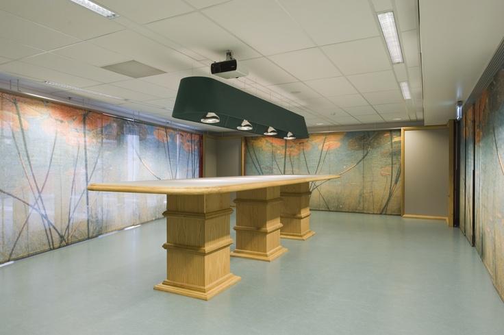 Vergaderetalage, Pier K Hoofddorp:  Vergader staand in het water van het Haarlemmermeers polderlandschap. De vergaderetalage is een prachtige vergaderlocatie van 75m2, ingericht met een vaste vergadertafel.      Wilt u meer weten over de mogelijkheden, heeft u speciale wensen, of ontvangt u graag vrijblijvend een offerte? Bel onze afdeling verhuur & sales, telefoon: 023-56 69 565 of stuur een e-mail naar planning@pier-k.nl.