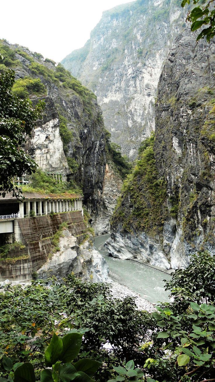 One of the most beautiful places i've ever seen.  Taroko Gorge #taiwan #travel.