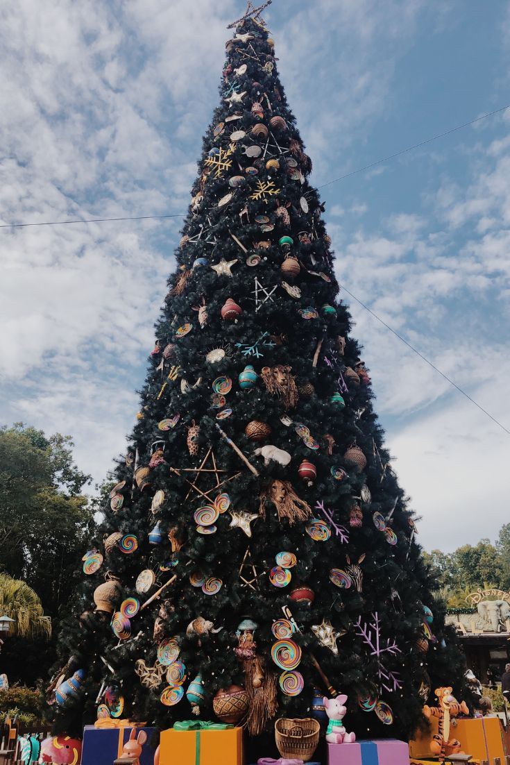 Animal Kingdom Holiday decor, Christmas tree, Animal kingdom