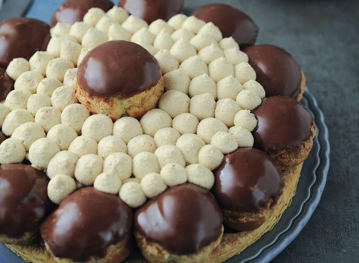 Découvrez la recette surprenante du Saint-honoré au chocolat et aux spéculoos. Une variante gourmande d'un dessert classique.