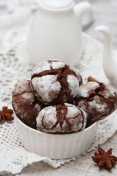 Cookies σοκολάτας με άχνη ζάχαρη   ION Sweets