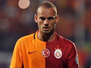 Galatasaray yönetiminden Sneijder'in geleceği hakkında karar