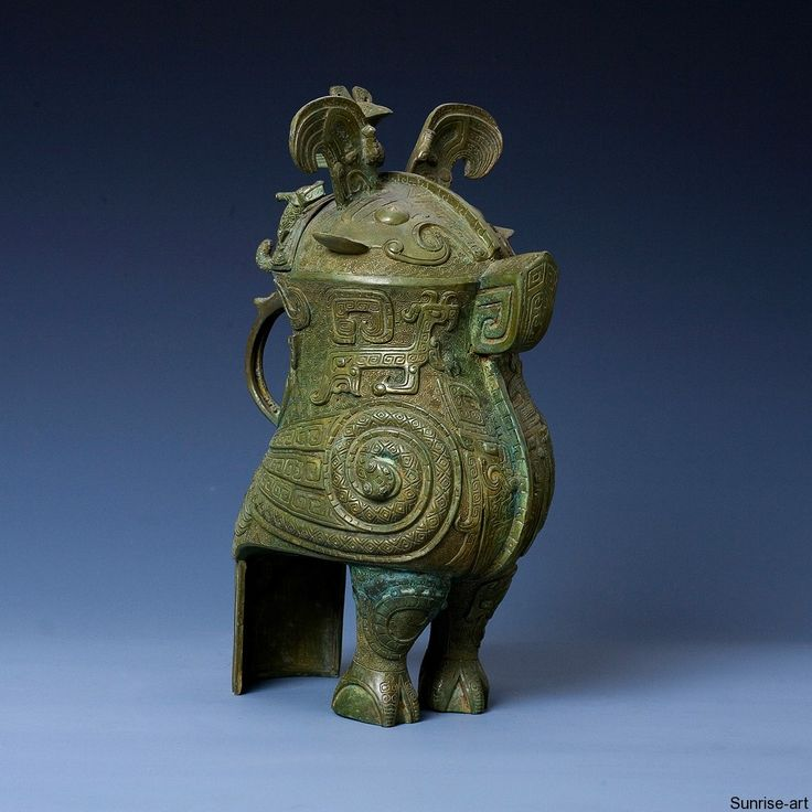 Bronze owl-shaped ritual wine vessel = Bird Zun   *   Shang dynasty (12th-11th Century BC)