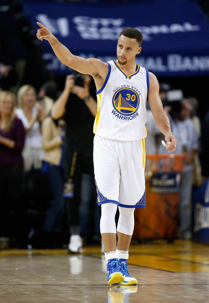 Stephen Curry Photos - Oklahoma City Thunder v Golden State Warriors - Zimbio
