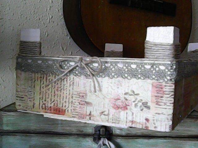 Capsa vintage capsa de maduixes reciclada caja vintage - Manualidades pintar caja metal ...