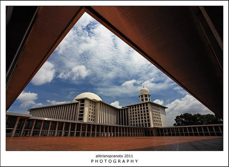 """Istiqlal Mosque, or Masjid Istiqlal, (Independence Mosque) in Jakarta, Indonesia is the largest mosque in Southeast Asia in terms of capacity to accommodate people and building structure. This national mosque of Indonesia was built to commemorate Indonesian independence, as nation's gratitude for God's blessings; the independence of Indonesia. Therefore the national mosque of Indonesia was named """"Istiqlal"""", an Arabic word for """"Independence"""". http://en.wikipedia.org/wiki/Istiqlal_Mosque"""