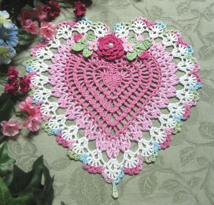 """""""kreativekroshaynutz"""" NEW CROCHET HEART ROSE,TINY FLOWERS & BUDS DOILY DOILIES"""