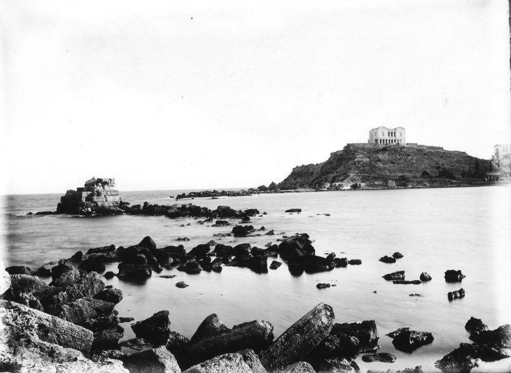 Πειραιάς, Τουρκολίμανο - Μικρολίμανο, η έπαυλη - βίλα Κουμουνδούρου, του William J. Woodhouse, από την επίσκεψη του στην Ελλάδα μεταξύ 1890-1935.Liza's Photographic Archive of Greece - άλμπουμ της Ελλάδας
