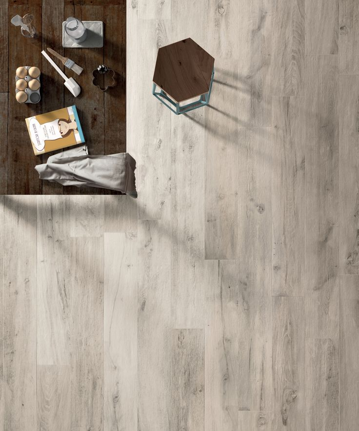 "Legendary Wood White | Porcelaine - Porcelain | Fini naturel - Natural Finish | 8""x67"" & 16""x67"" 
