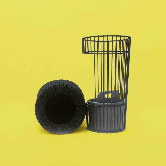 "Ideaco's ""d"". Umbrella stand entasis&Trash can Tubelor SPA."