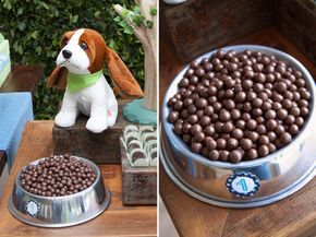 Os cachorrinhos invadiram o aniversário de 1 ano do Arthur, com decoração da Fête! Uma festinha linda e boa pra cachorro! Fotografia: Alexandre Feola | Dec