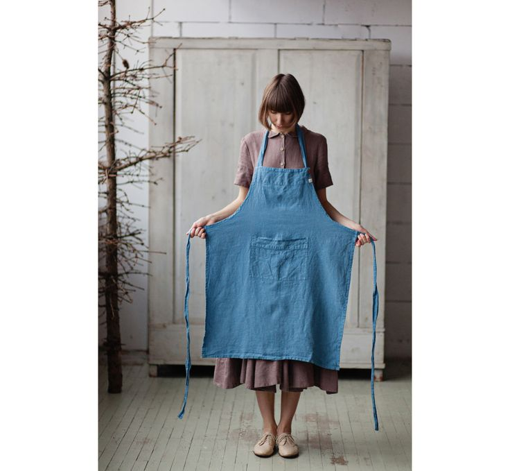 Linen Apron, Blue, Traditional Cooking Apron, Kitchen Linens by SondeflorShop on Etsy https://www.etsy.com/listing/257660825/linen-apron-blue-traditional-cooking
