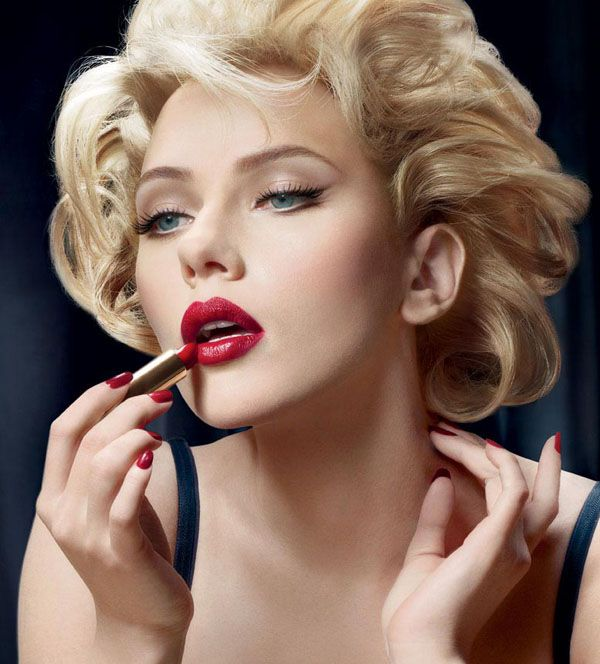 A maquiagem pin-up clássica tem sido considerada a grande pin-up do momento. Essa maquiagem possui um estilo clássico como a antiga: é a famosa maquiagem ...
