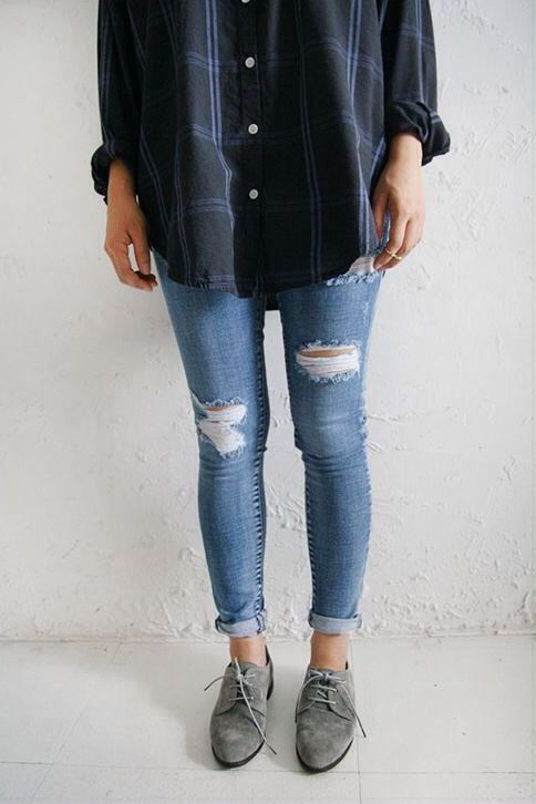 oversized flannel + ripped jeans