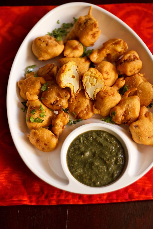 Gobi Pakora (Cauliflower Fritters) from Veg Recipes of India. Makes a tasty snack, side dish or starter.