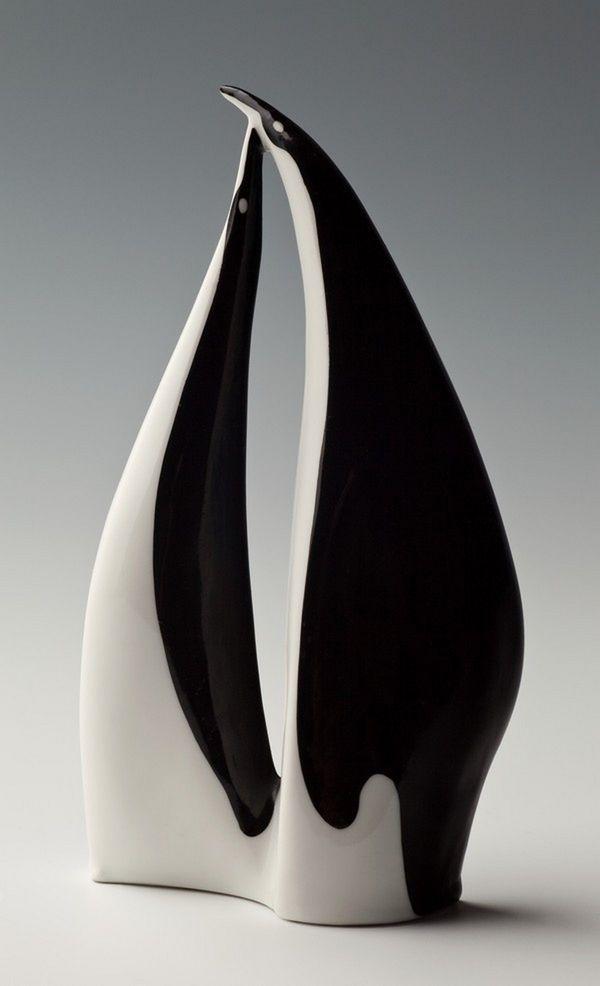 Polski New Look - Ćmielów. Stunning black and white form. #penguin #ceramic #sculpture