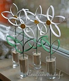 paper towel roll crafts   paper daisies this cute craft from craft ideas turns trash into fun ...