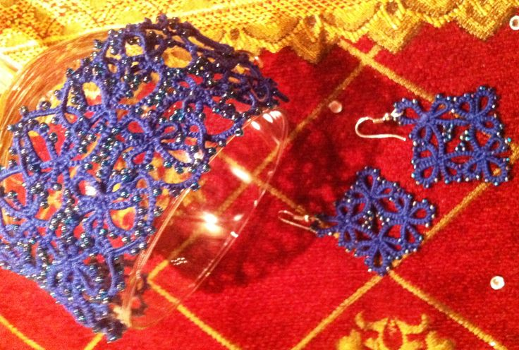 Handmade tatted bracelet and maching earrings with seed beads.Available, 35 euros for total set.