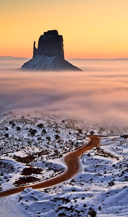 "Психолог онлайн. ""Психология личного пространства"" http://psychologieshomo.ru Winter in Monument Valley, Arizona, USA"