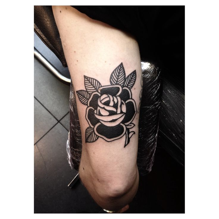Electric Love Bites   Matty D'Arienzo Into You Tattoo London www.baronclothingcompany.com