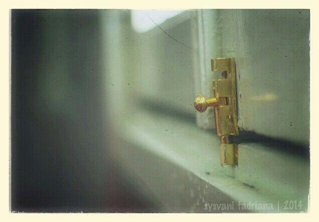 get locked.