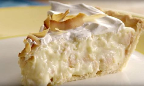 Cette tarte à la crème de noix de coco à l'ancienne est ahurissante!