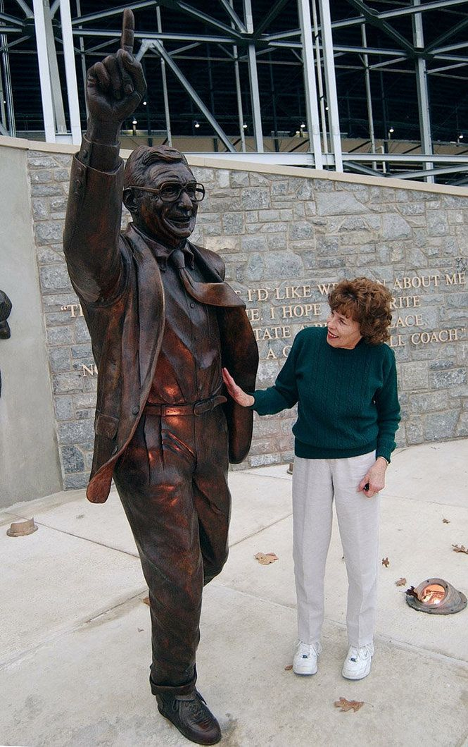 Sue Paterno: Paterno Families, States Colleges, Paterno Statues, Ripped Joepa, Sue Paterno, Joe Paterno, Are Penn States, States Forever, Penn Stater