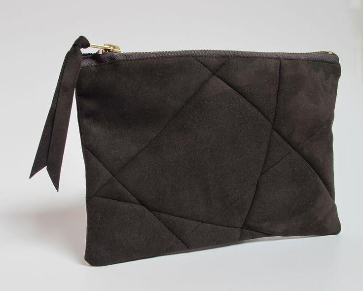 Make-up tassen - clutch, grafic pouch, ultrasuede in greybrown - Een uniek product van StAnderswo op DaWanda