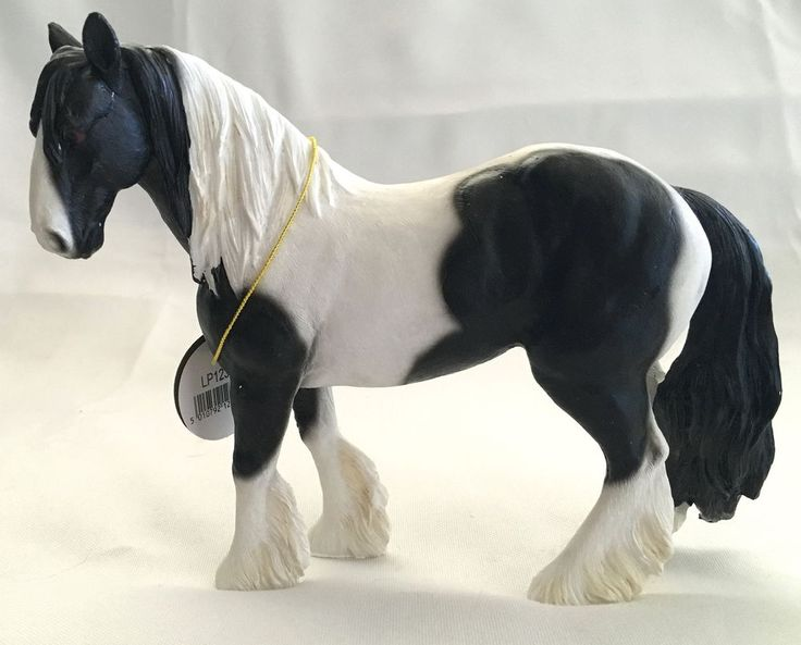 GYPSY COB HORSE STATUE ~ BLACK & WHITE  ~ LEONARDO COLLECTION~ ENGLAND