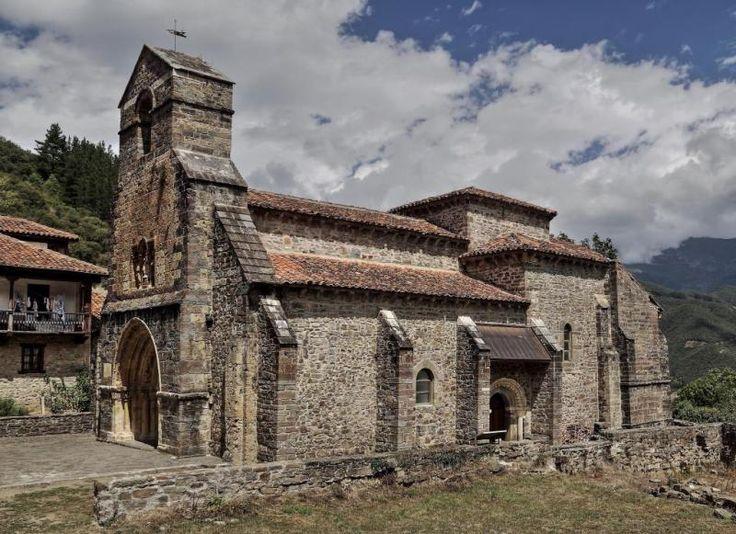 Piasca, Comarca de Liébana - Iglesia románica de Santa María la Real #románico #piasca #cantabria #santamarialareal #liébana