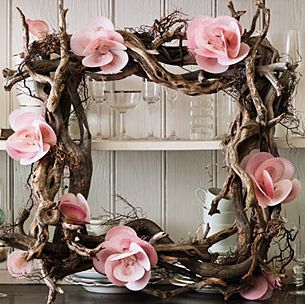 wreath with flowers made from sea shells by L.A. Design Studio