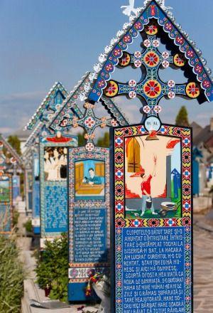 Merry Cemetery, Sapanta in Maramures.Photo: Alamy