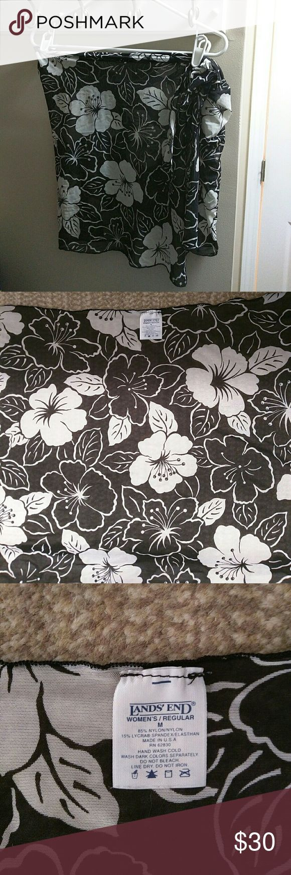 Lands' End Bathing Suit Wrap Classy Lands' End black and white sheer Hawaiian print bathing suit sarong / wrap perfect for vacation or summertime! Lycra, Spandex, Elasthan, Made in USA Lands' End Swim Coverups