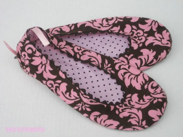 Ballerina Slippers: Free Pattern + Tutorial | Eeny Meeny & Moe