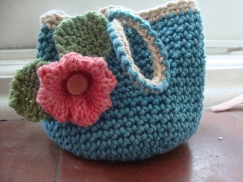 Cute little crochet bags -?CQ #crochet: Ravelry Patterns, Cute Ideas ...