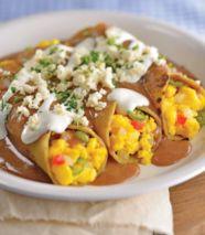 Enfrijoladas con huevo a la mexicana