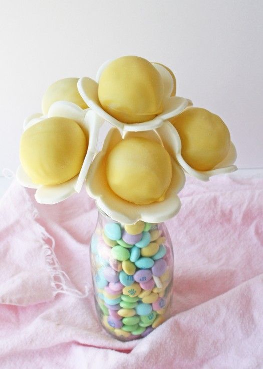 Bouquet of Flower Cake Pops - If you don't do anything else with this cake pop, make sure you remember the tip about chocolate in the jar!