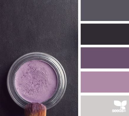 A colour pallet that works brilliantly with this color. Just wish they would tell the colors of the paint shown.