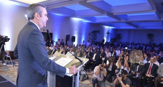 Luis Abinader presenta su programa de gobierno