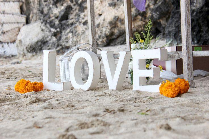wedding decor at the beach